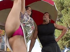 flexible aries knightly shows off her ideal shape