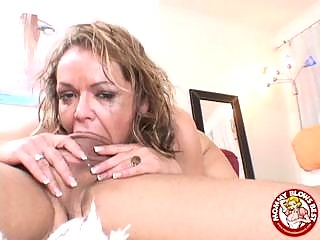 kelly leigh gulps a libido