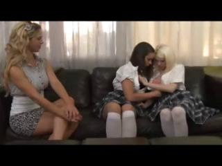 two schoolgirls and cougar blond have a