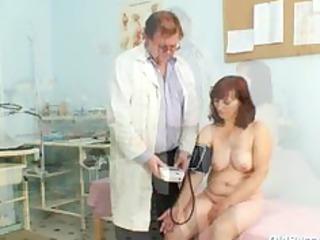 zita mature chick gyno speculum exam at clinic