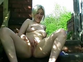 inexperienced girl into outdoor nudity and