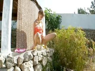 peeing of hot russian babysitter