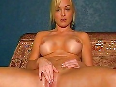 beautiful girl kayden kross spreads her foot and