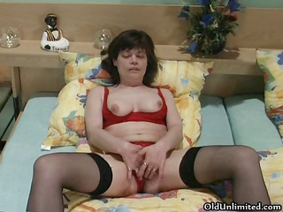 naughty cougar maiden dildoing part5