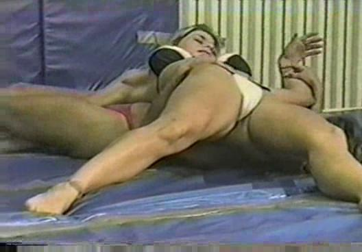 flamingo wrestling ww37 nina vs suzanne feminine