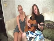 Teen sweety gives tugjob in return of a song