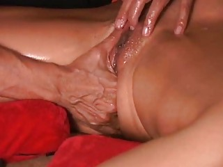 how to help her squirt
